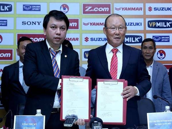 Tái ký hợp đồng với HLV Park Hang Seo thử thách của VFF