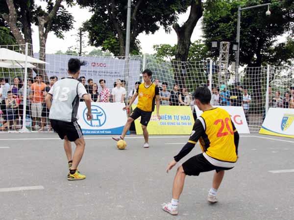 Bóng đá đường phố là một bộ môn thể thao mang tính tự phát