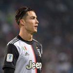 Bóng đá Anh sáng 28/3: Neville thừa nhận dùng trò bẩn với Ronaldo