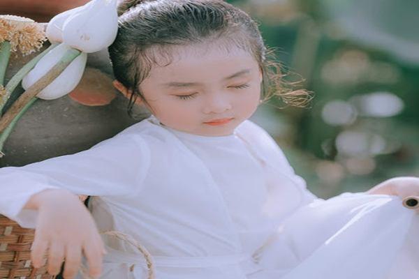 Đặt tên con gái họ Ngô, ước mong con luôn xinh đẹp, quý phái, cao sang