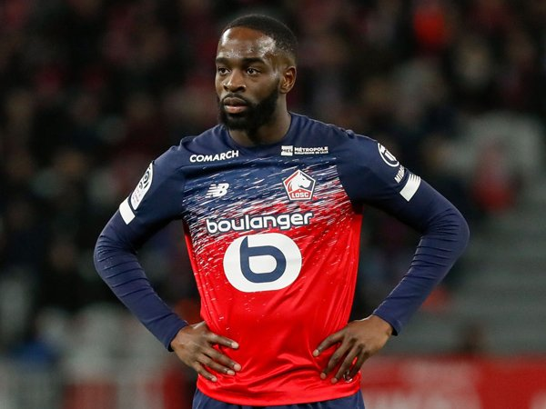 """Chuyển nhượng tối 25/8: Leicester City quan tâm tới """"máy chạy"""" ở Ligue 1"""