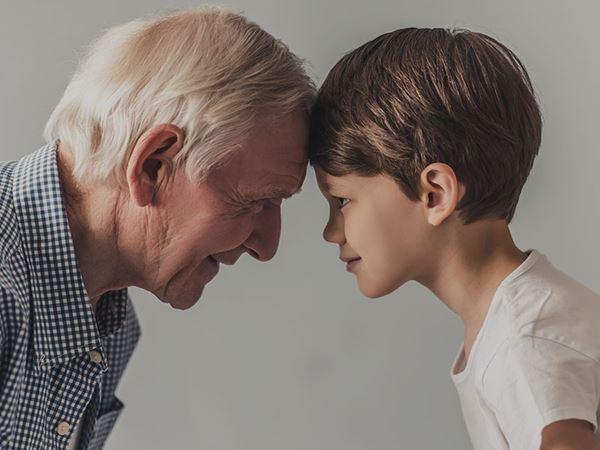 Mơ thấy ông ngoại là điềm dữ hay lành? Nên đánh cặp số nào?
