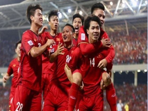 Hôm nay Việt Nam mấy giờ đá bóng